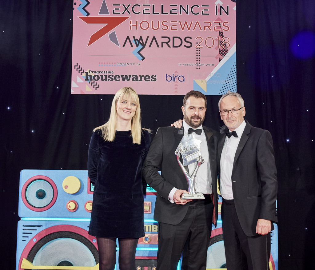 Above: Sales director, Rob Jones collected the Excellence in Service Award for Horwood Homewares at the recent Excellence in Housewares Awards (presented by BHETA's Will Jones).