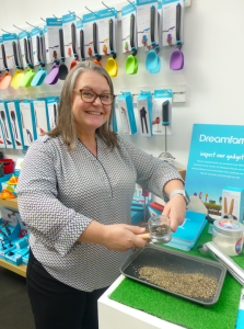 Above: Kelly Burrows, head of international sales at Dreamfarm demonstrated the Ortwo Grinder on Forma House's stand.