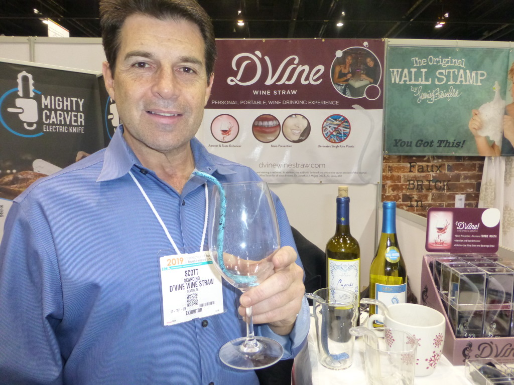 Above: Scott Scardino with D'vine's aerating wine straw in Inventors' Corner at the IH+HS.