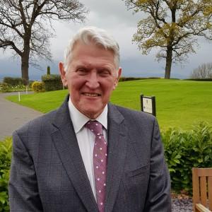 Above: Retiring after 28 years at Horwood – Nigel Hardman.