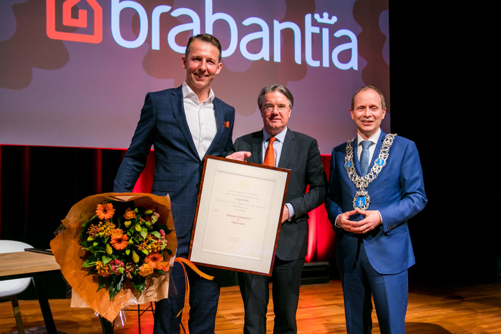 Above: Prof. Dr. W. van de Donk, King's commissioner in the Province of Brabant, presented the Royal Designation certificate to Brabantia's ceo Tijn van Elderen at special event earlier this year.