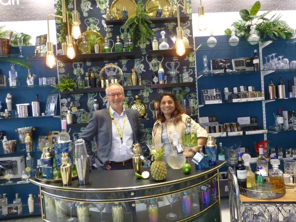 Above: BHETA's Will Jones and Seema Grantham look at the spectacular BarCraft display area in the new showroom.