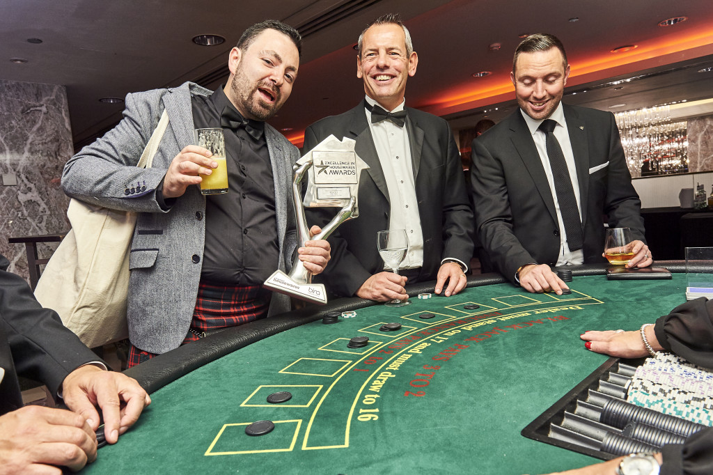 6- angus casino