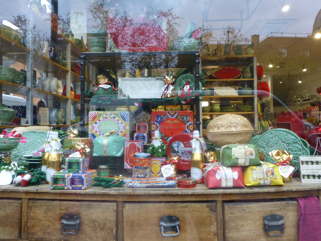 Above: Christmas window at Divertimenti, including gift food and Bordallo Pinheiro tableware.