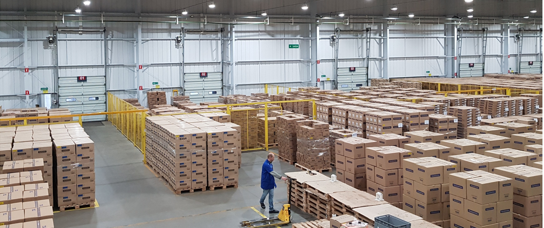 Above: A view of Tramontina's UK warehouse.