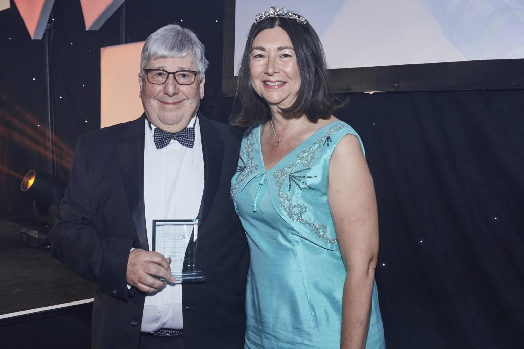 Above: David Grunwerg: winner of the Outstanding Achievement Award 2021, pictured with Jo Howard, editor of Progressive Housewares and HousewaresNews.net